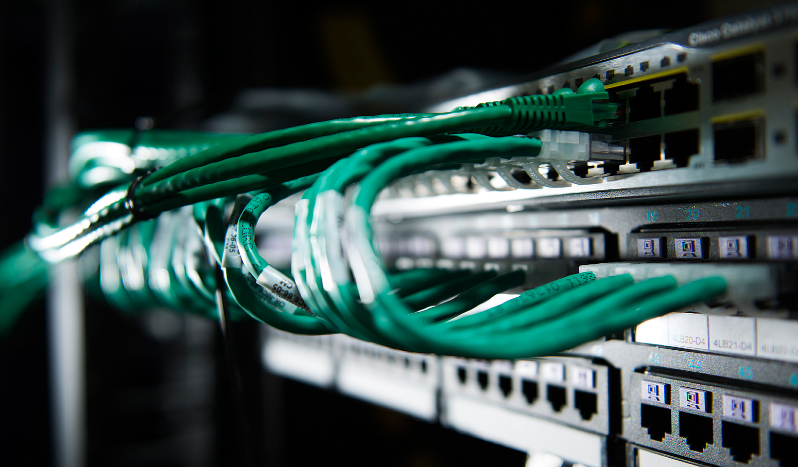 cables-on-switch-communications