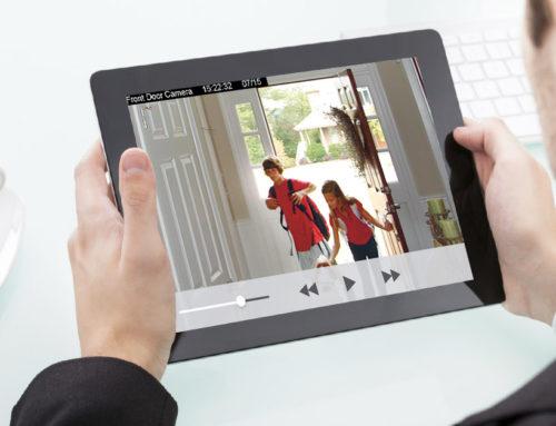 Νιώστε ασφαλείς παρακολουθώντας το σπίτι σας από το smartphone σας