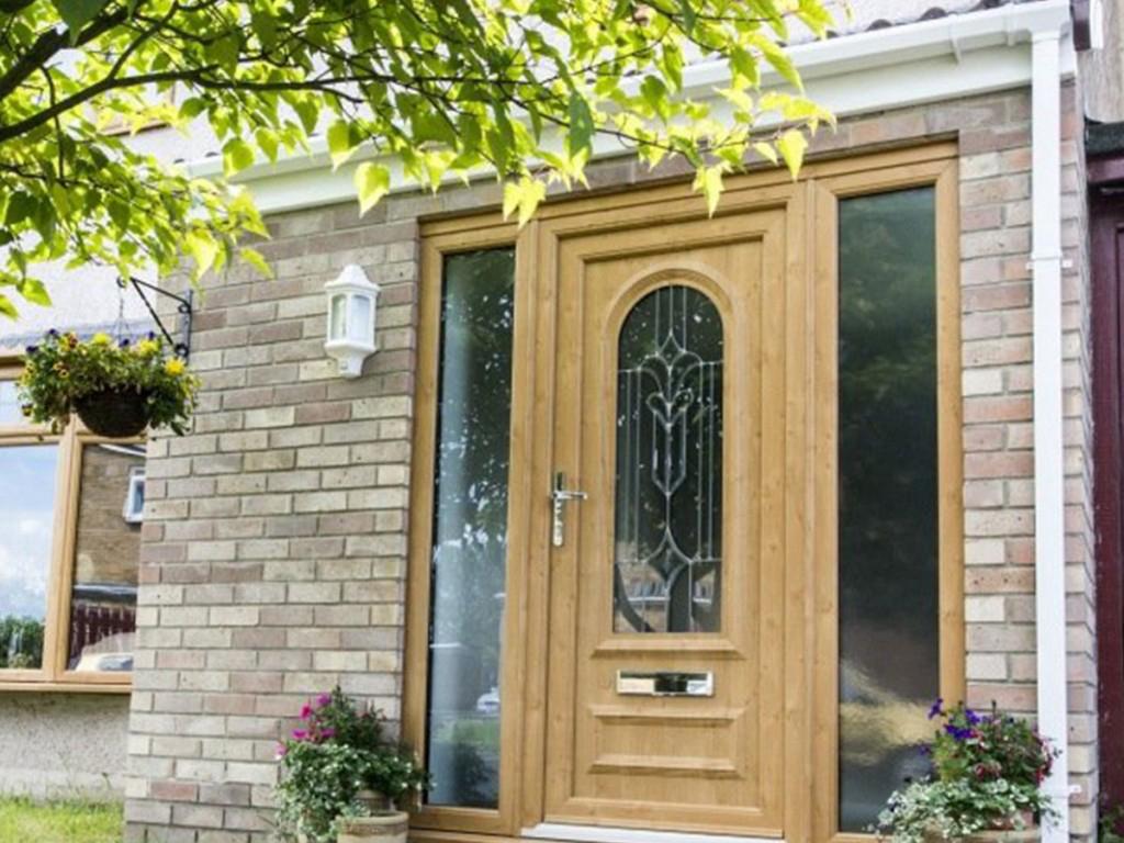 μπροστινή πόρτα σπιτιού